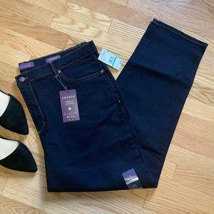 Gloria Vanderbilt Amanda Tapered Leg Jeans NWT